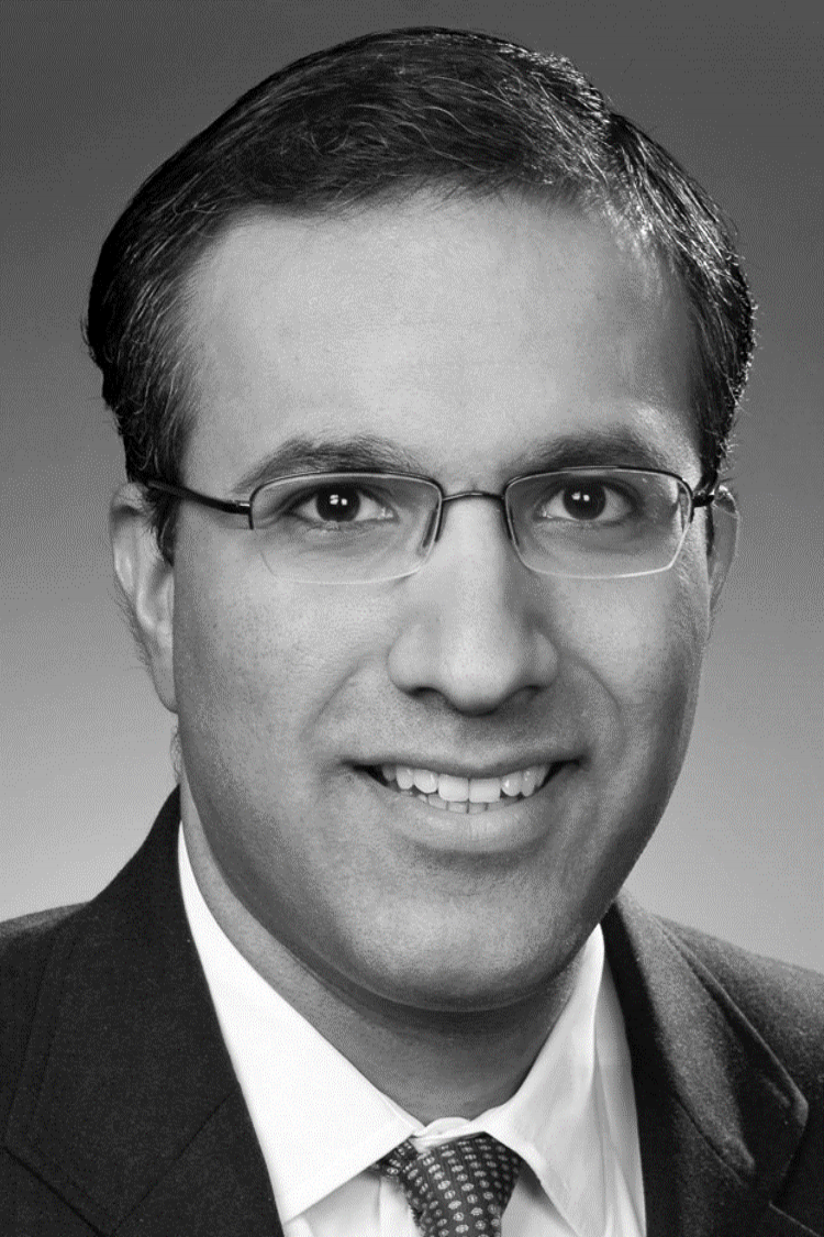 sumit malhotra Advisory Council Member With 20+ years of experience in strategy and transformation, operations excellence, and risk management, Sumit Malhotra is Principal of Management Consulting at KPMG LLP.  Prior to KPMG, he was a Partner in the Strategy & Analytics Practice and member of the Senior Leadership Team at IBM. Sumit advises COO, CDOs and CROs and other business executives of global financial institutions on strategy and implementation of front, middle and back office transformation, risk management & compliance programs, information governance and management, and technology solutions. Sumit has also held leadership positions at Bridgewater Associates, MasterCard Inc. and Deloitte.