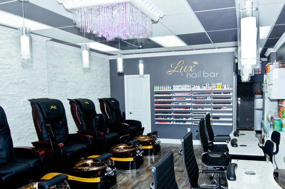 Lux Nail Bar