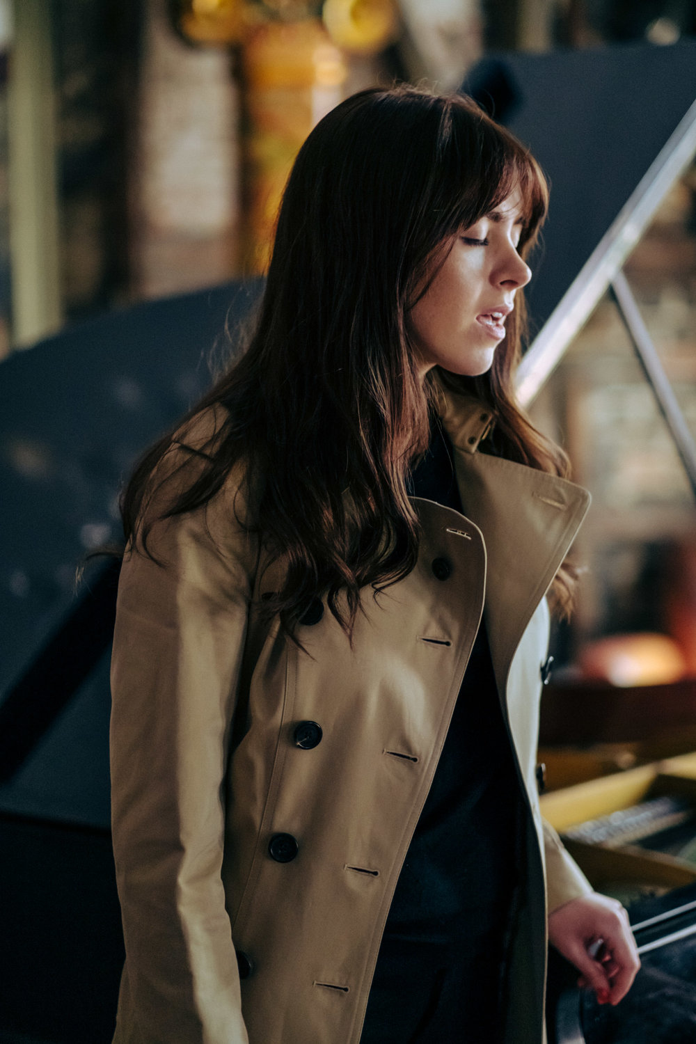CLAIRE MAGUIRE   FOR BURBERRY ACCOUSTIC