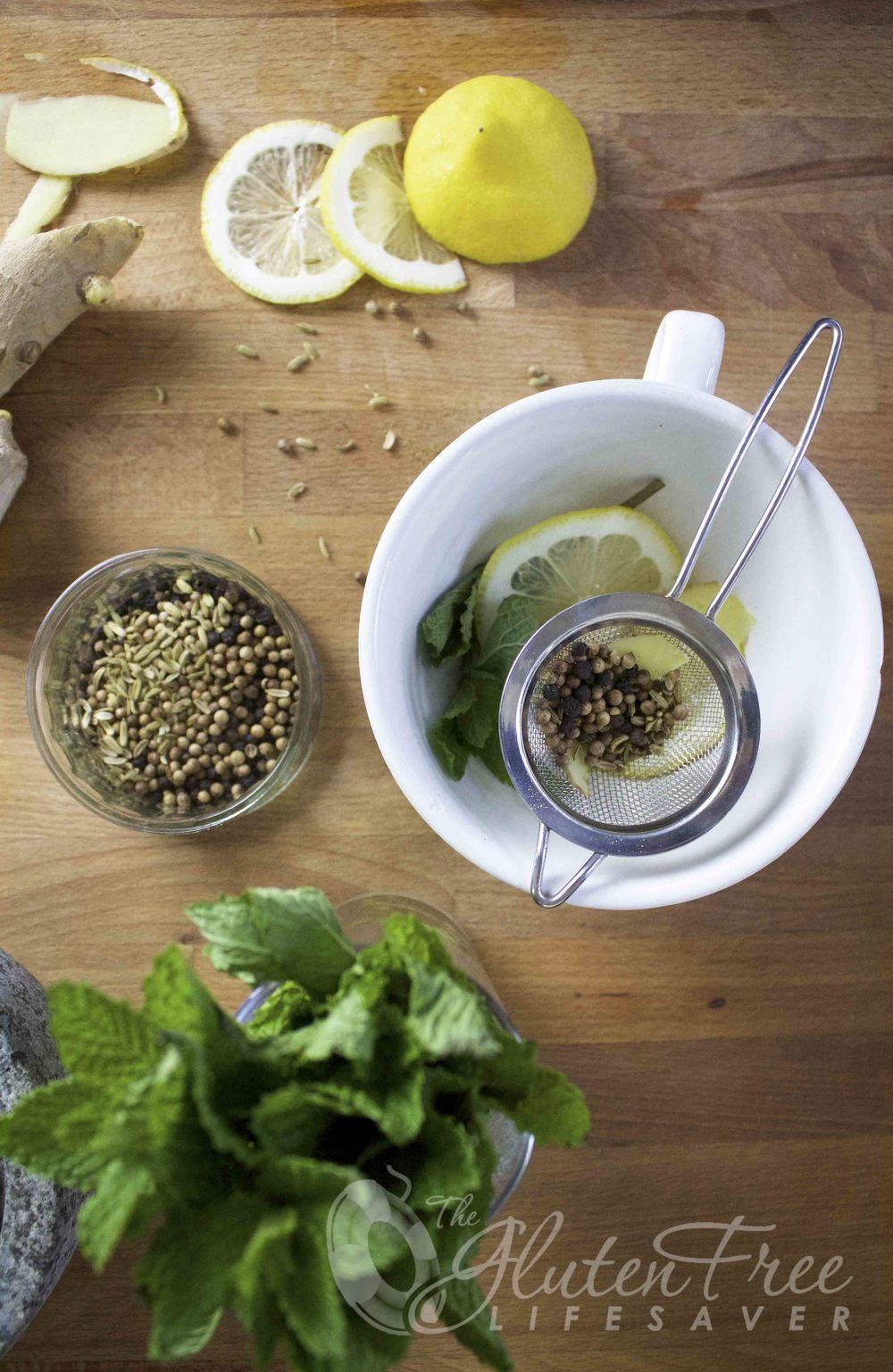 oppskrift på detox mint te som renser kroppen