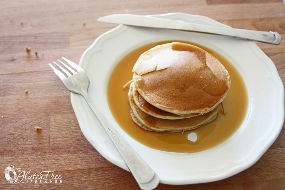 Glutenfri og melkefri bananpannekaker med bare 3 ingredienser!