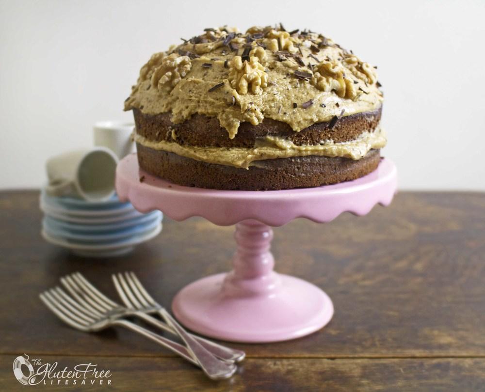Oppskrift glutenfri engelsk kaffekake med valnøtter