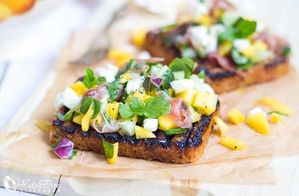 Glutenfri mango og mozarella bruschetta - rask glutenfri lunsj