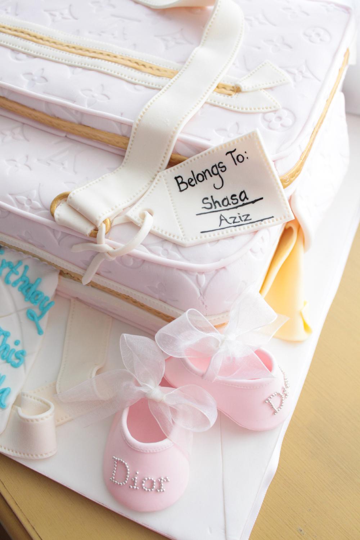 diaperbag cake.jpg