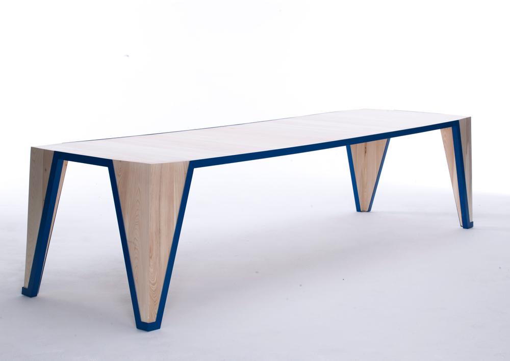 VINCA TABLE