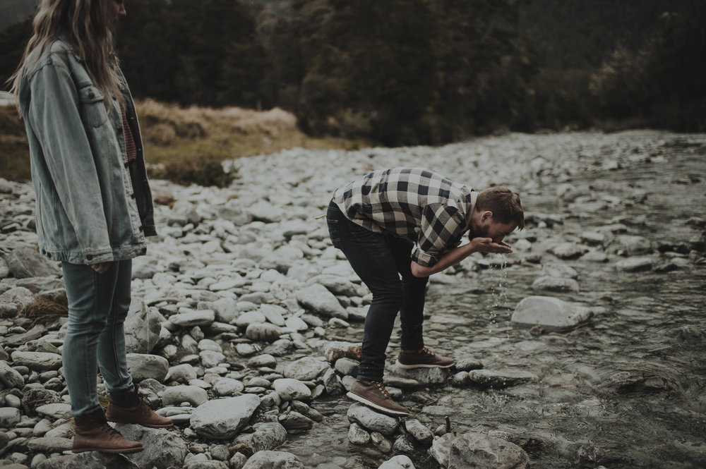 Katie_Hamish_Glenorchy_New_Zealand_Couple_Shoot-27.jpg