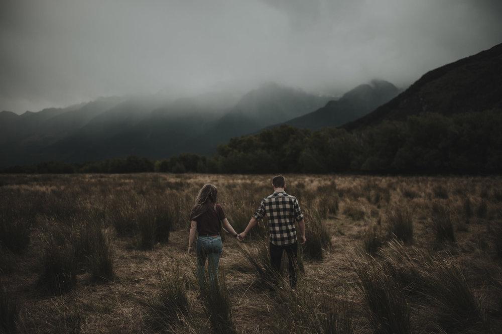 Katie_Hamish_Glenorchy_New_Zealand_Couple_Shoot-53.jpg