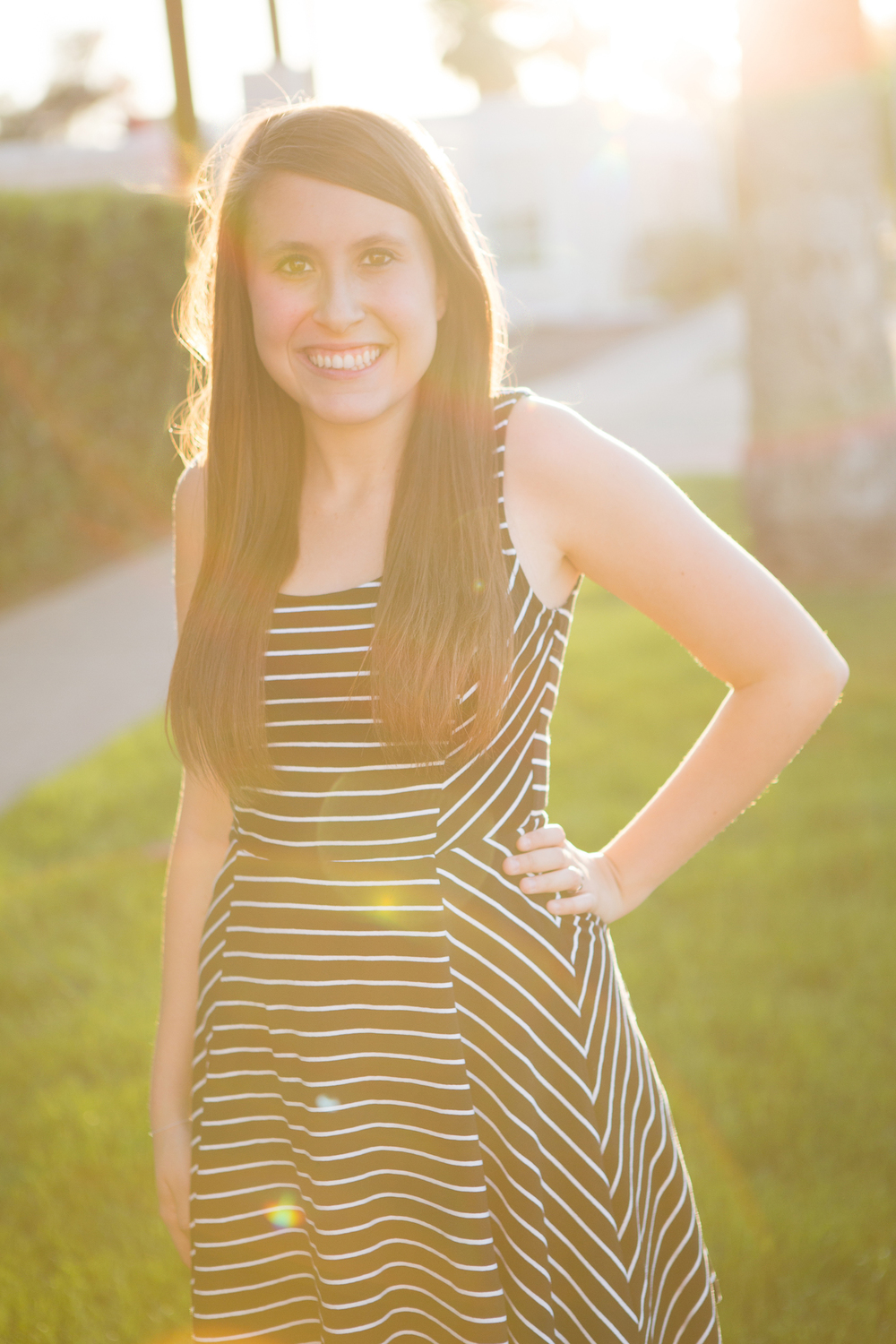 senior-photography-downtown-phoenix-lens-flare-bw-dress