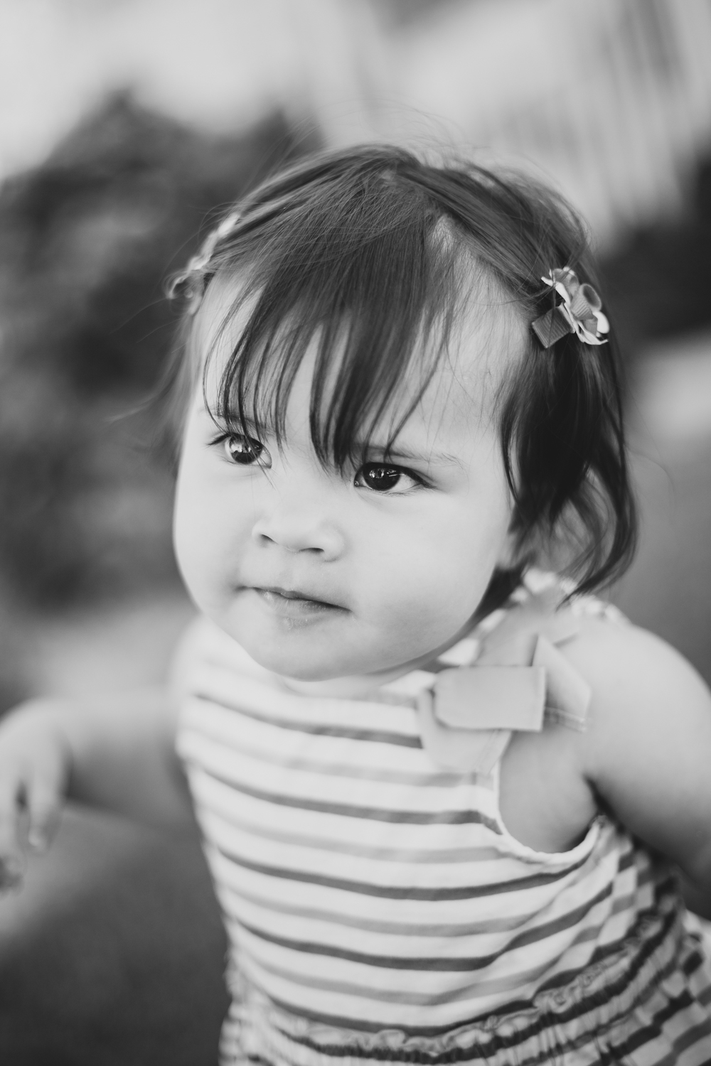 glendale-photography-baby-mae-black-and-white-portrait