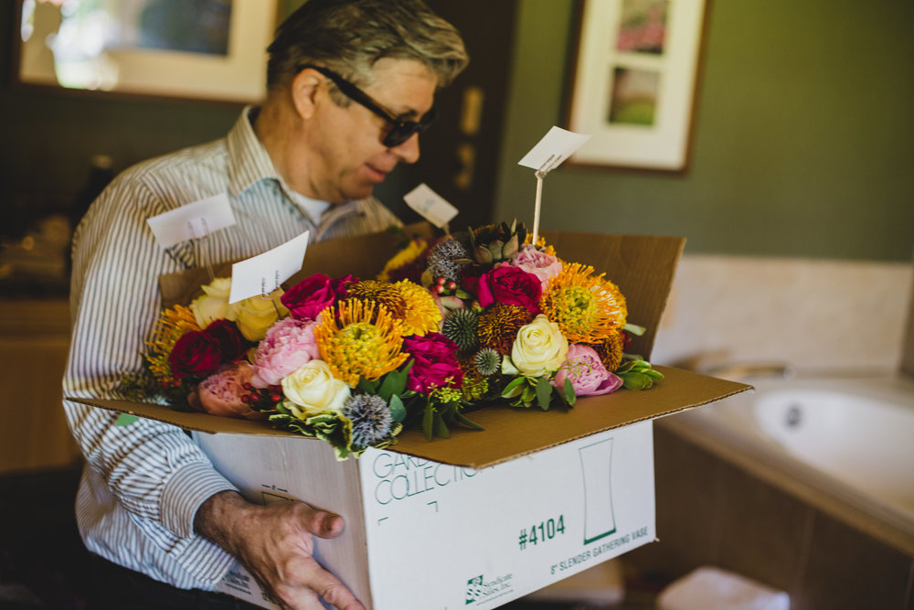 sedona-wedding-photography-bouquet-delivery