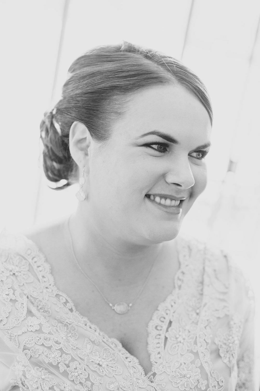 Sedona-Wedding-Bride-BW_Jessica_Ready