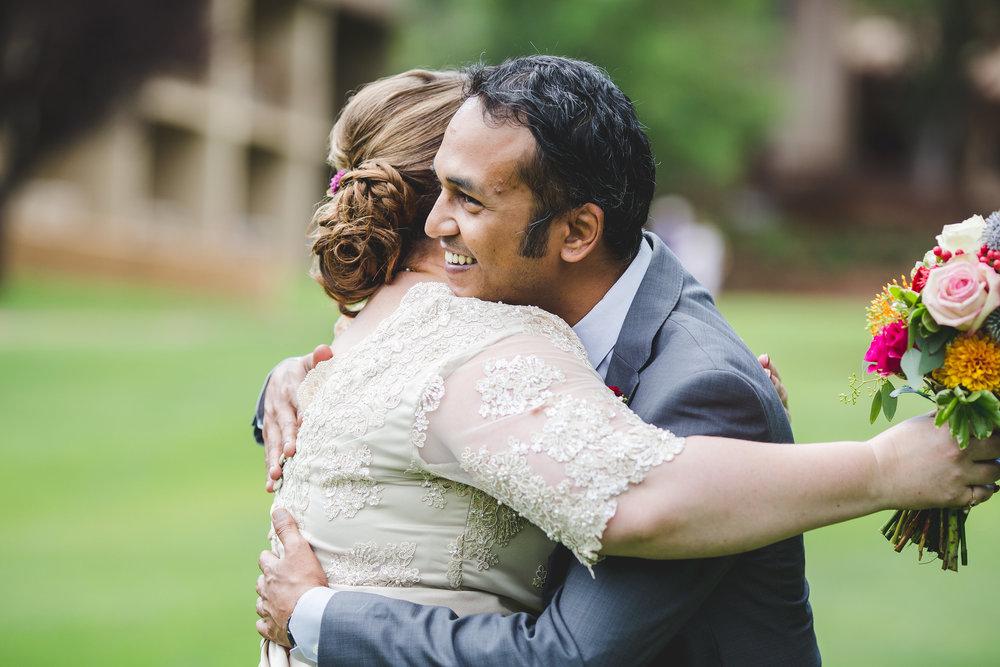 sedona-bride-and-groom-first-look-karthik-jessica