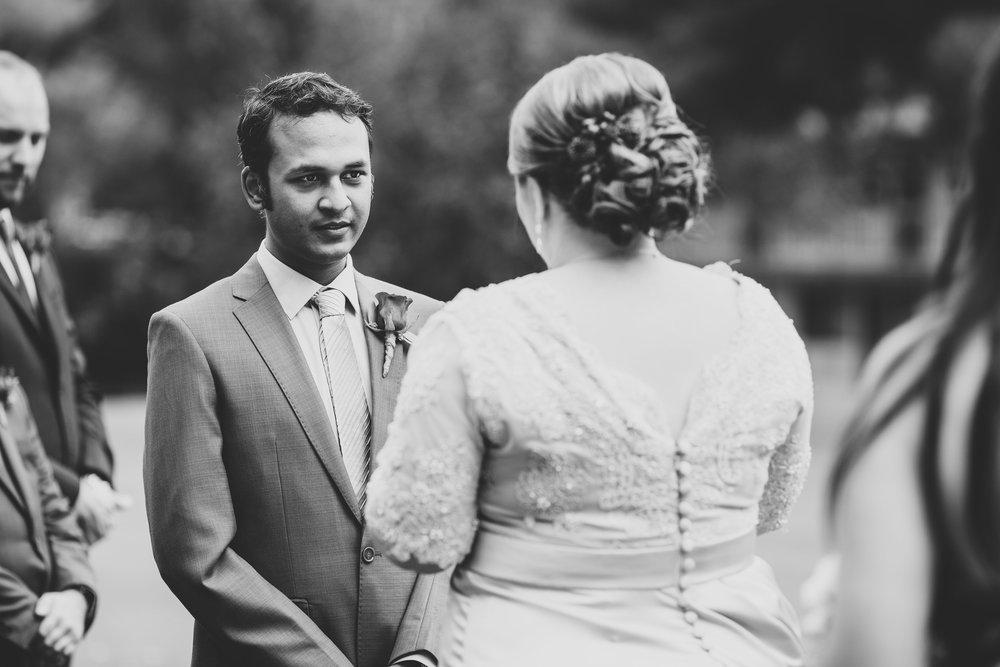 wedding-photographer-black-and-white-karthik-reacting