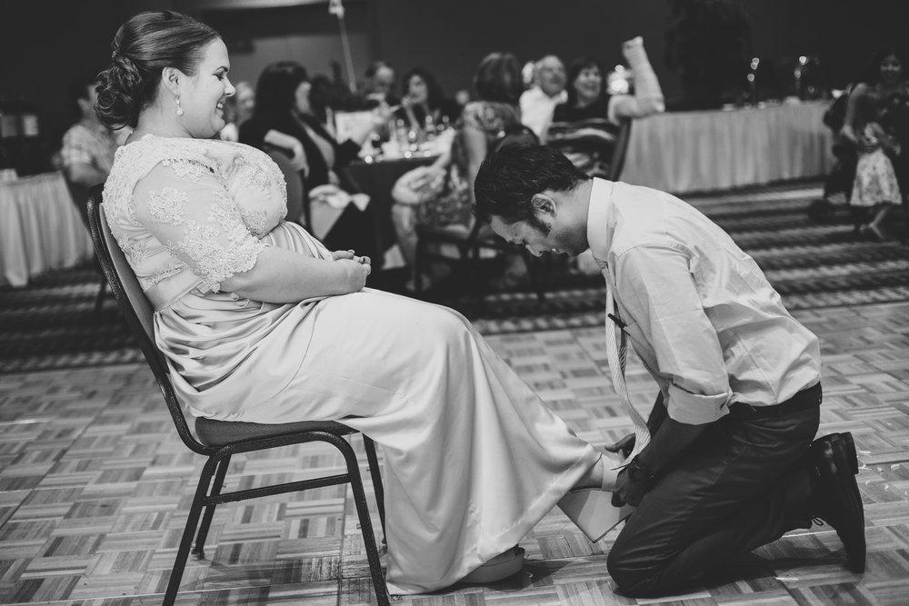 sedona-wedding-bride-garter-jessica