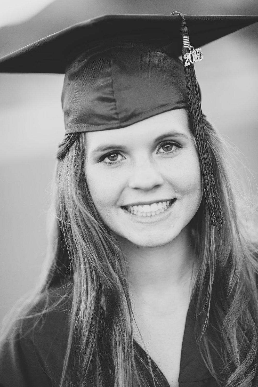 bw-senior-portraits-peoria-ccv-amber-cap