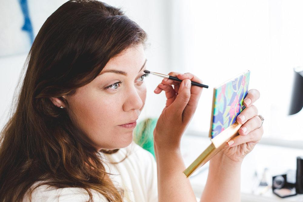 tiffany-applying-makeup