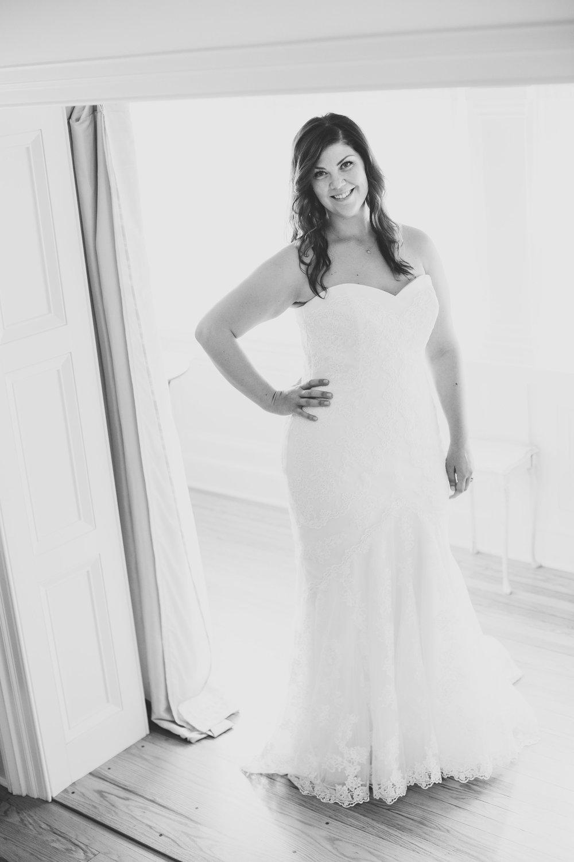 bride-tiffany-full-length-shot-natural-light