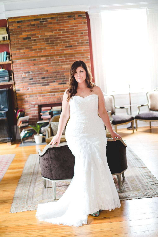 full-length-bridal-portrait-beautiful-building