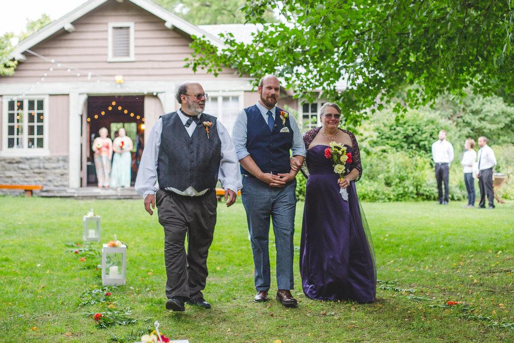 taughannock-falls-wedding-groom-isle