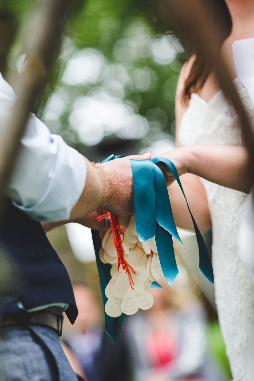 new-york-wedding-hand-tying-ceremony-tr