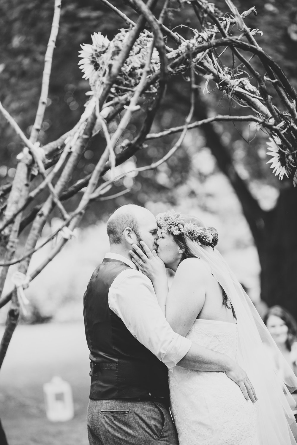 ithaca-new-york-bride-groom-first-kiss-black-white-tr
