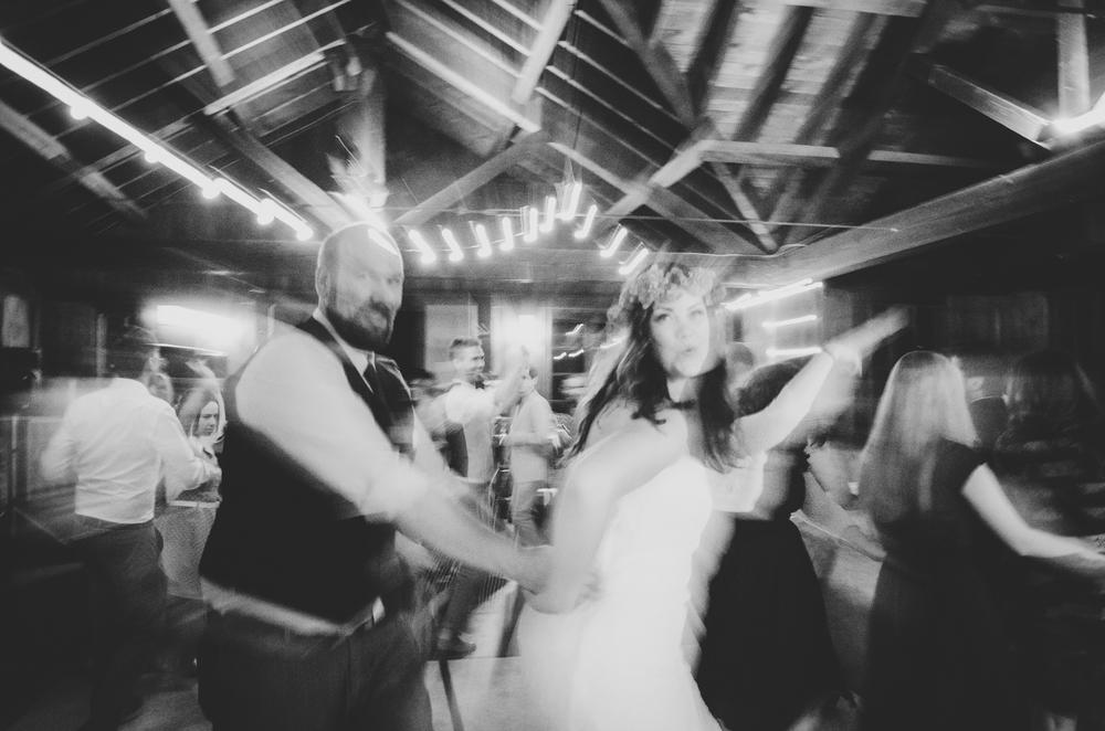 bride-and-groom-dance-floor-conga-line-long-exposure-tr