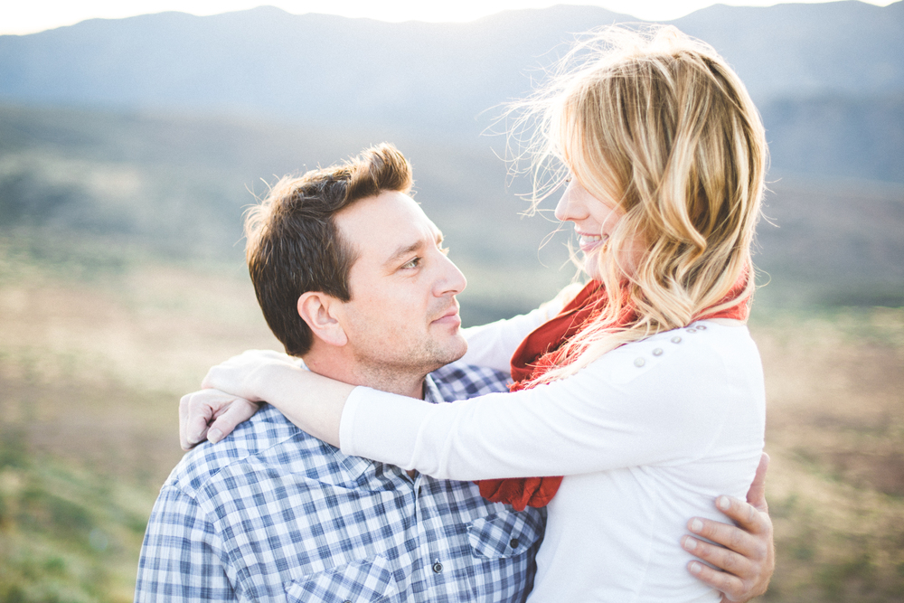 ben-andrea-closeup-sunset-point-engagement