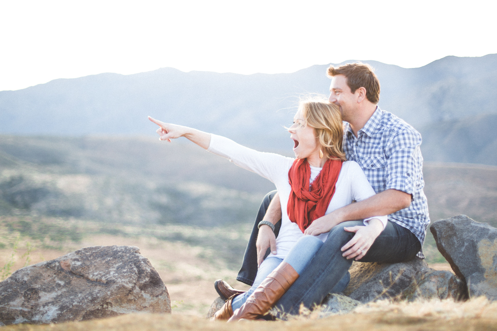 ben-ndrea-pointing-engagement-photography