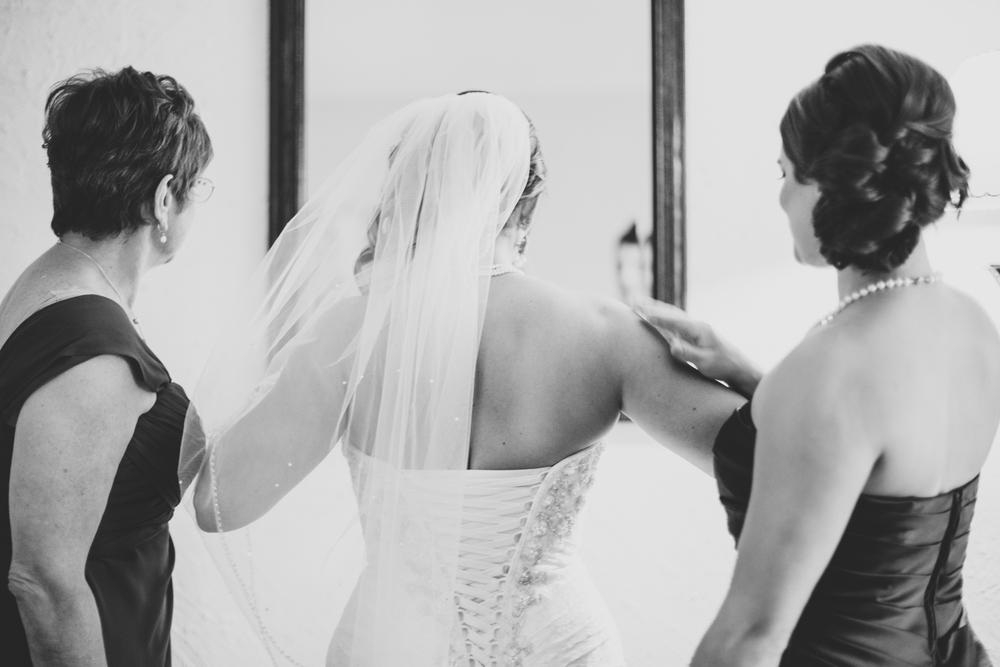 phoenix wedding photographer bride overwhelmed by emotion