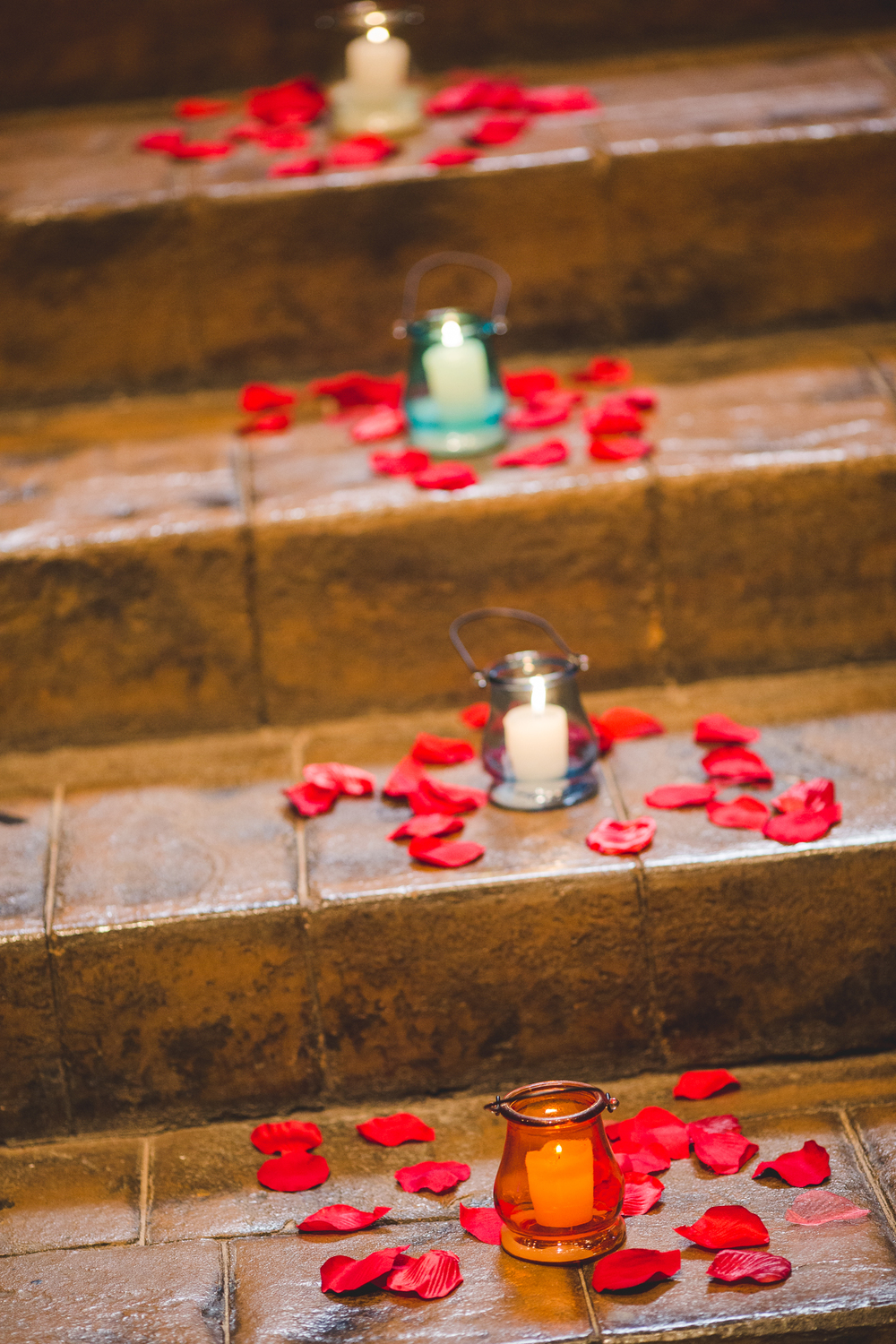candles and flowers wedding details