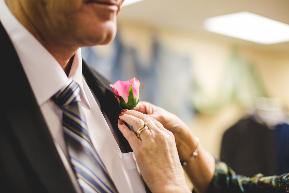 rs father of the bride gets boutonnière on