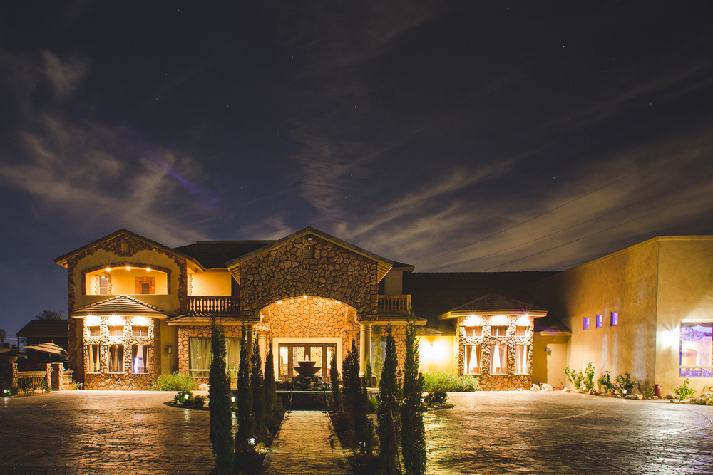aaron kjes photography superstition manor at night wedding venue stars mj