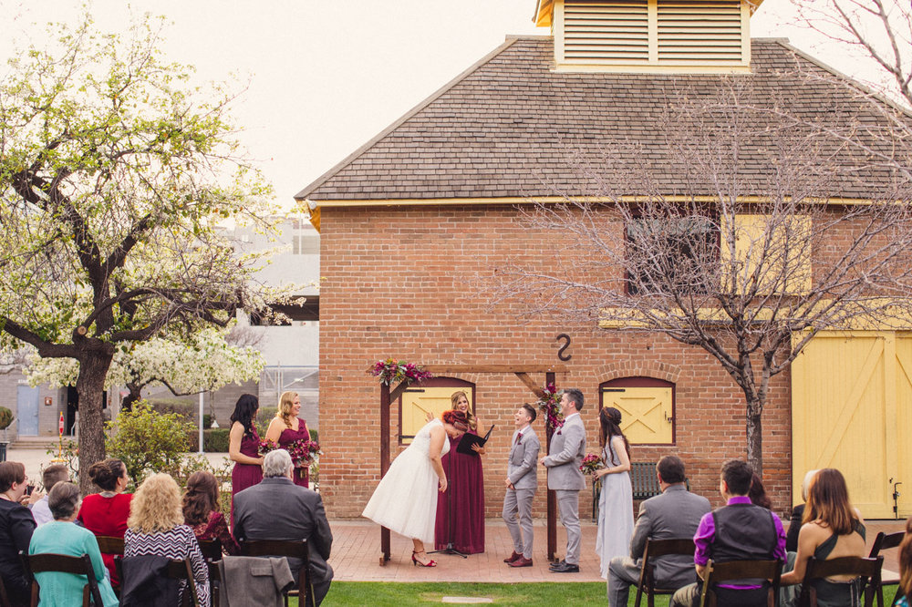 fun-heritage-square-wedding-ceremony