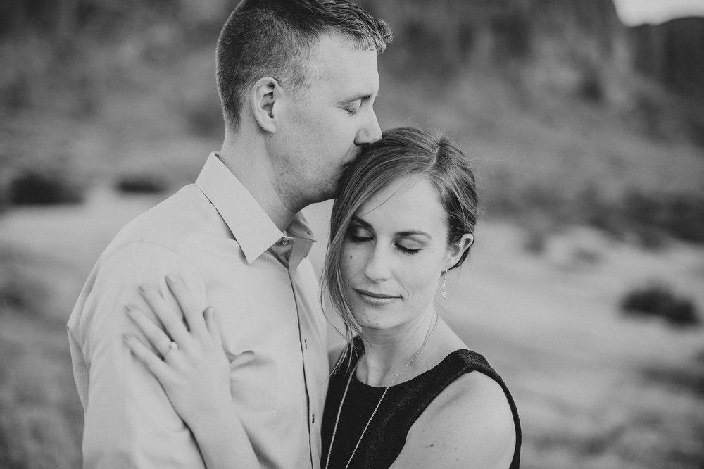 black-and-white-romantic-photo