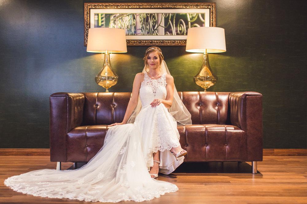 wedding-bridal-portrait-hilton-garden-inn-phoenix