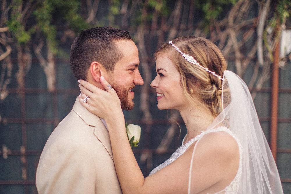 bride-and-groom-croft-downtown-phoenix-portrait