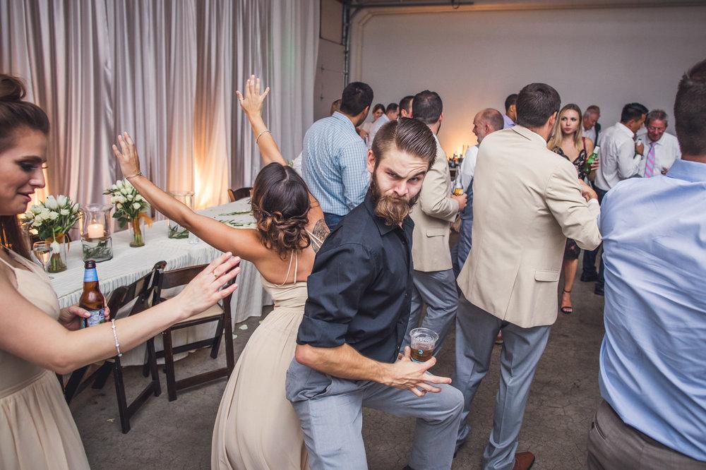 funny-wedding-guest