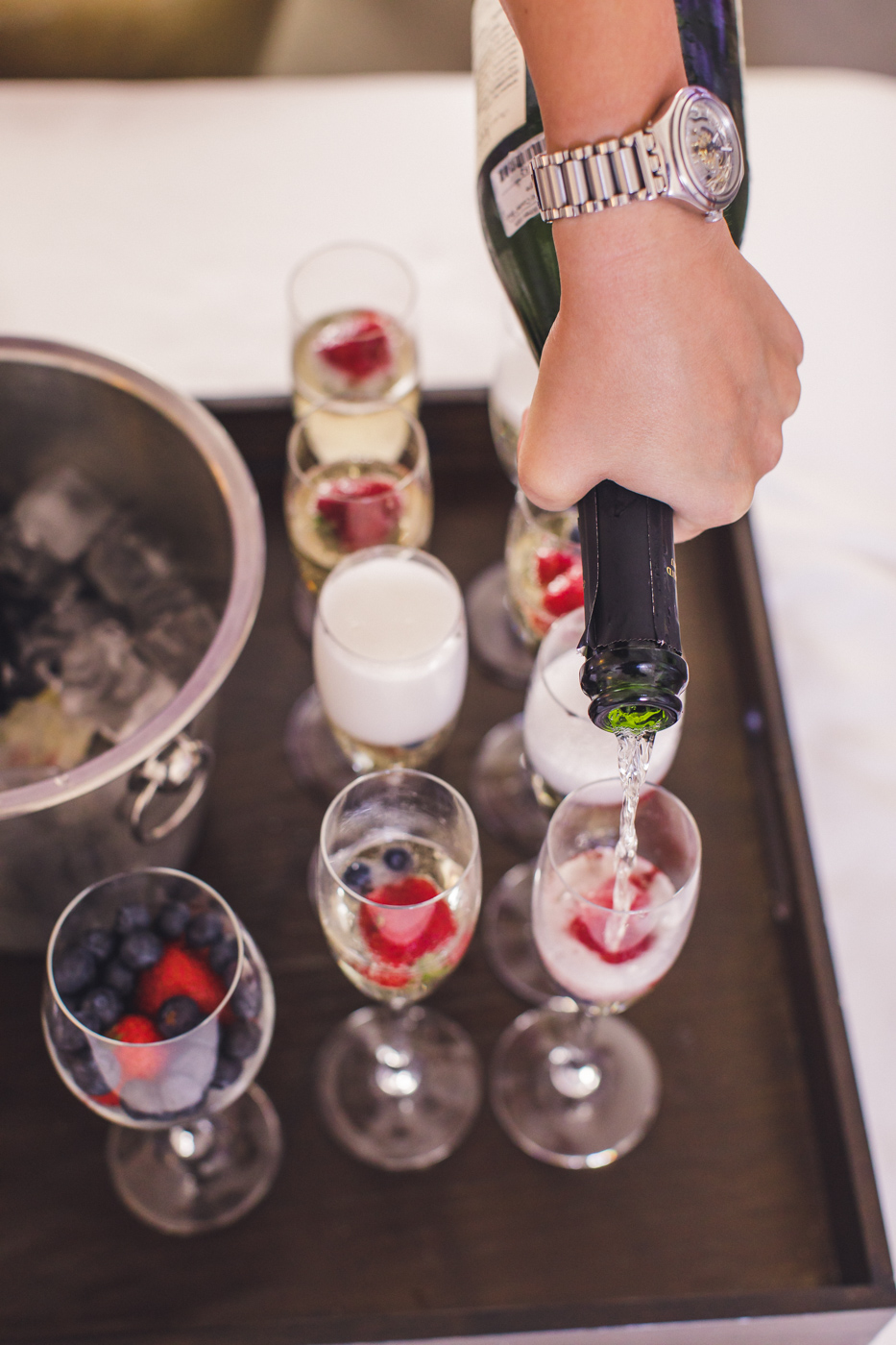 champagne-and-berries