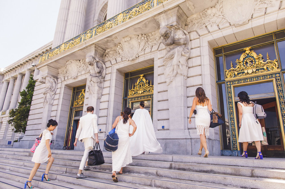 bridal-party-arrival-san-francisco-city-hall-wedding