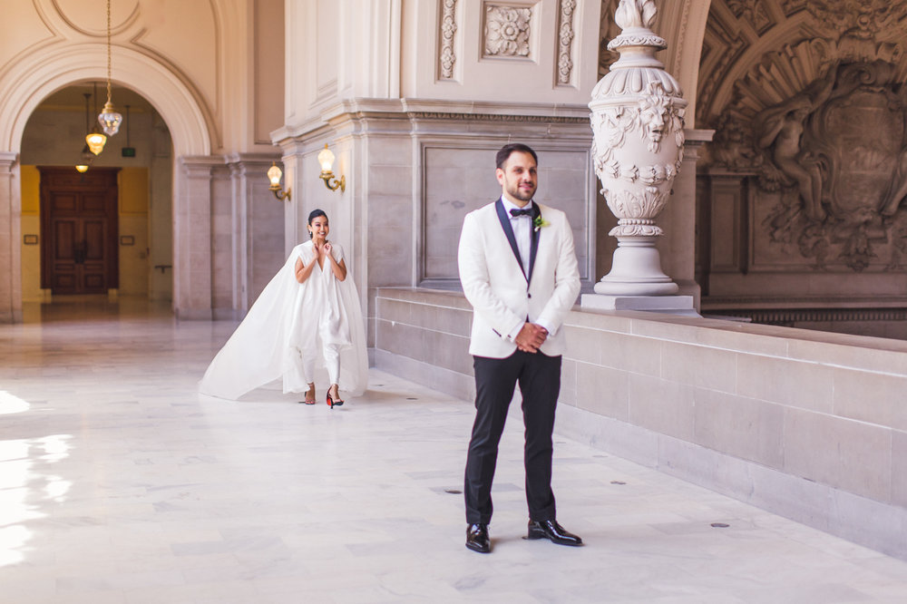 first-look-san-francisco-city-hall-wedding