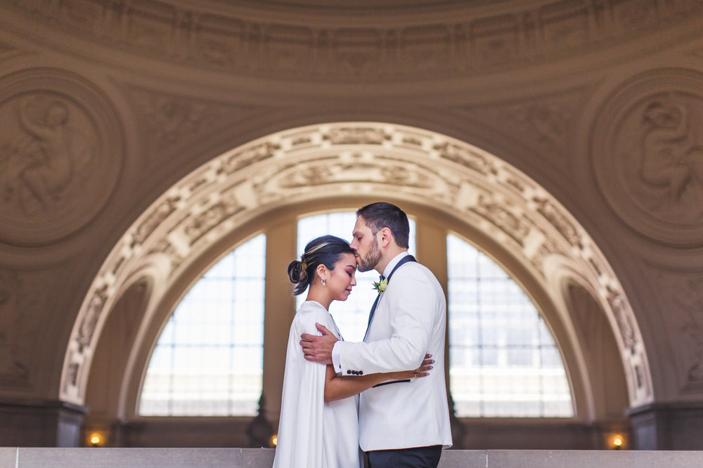 sf-city-hall-wedding-portrait