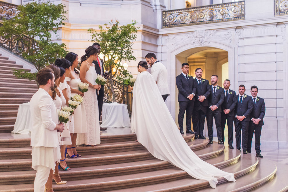 wedding-on-grand-staircase-sf-city-hall