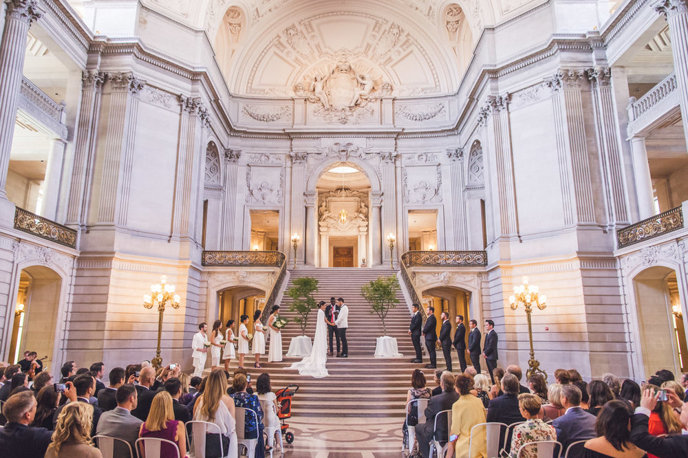 san-francisco-city-hall-weddings-grand-staircase