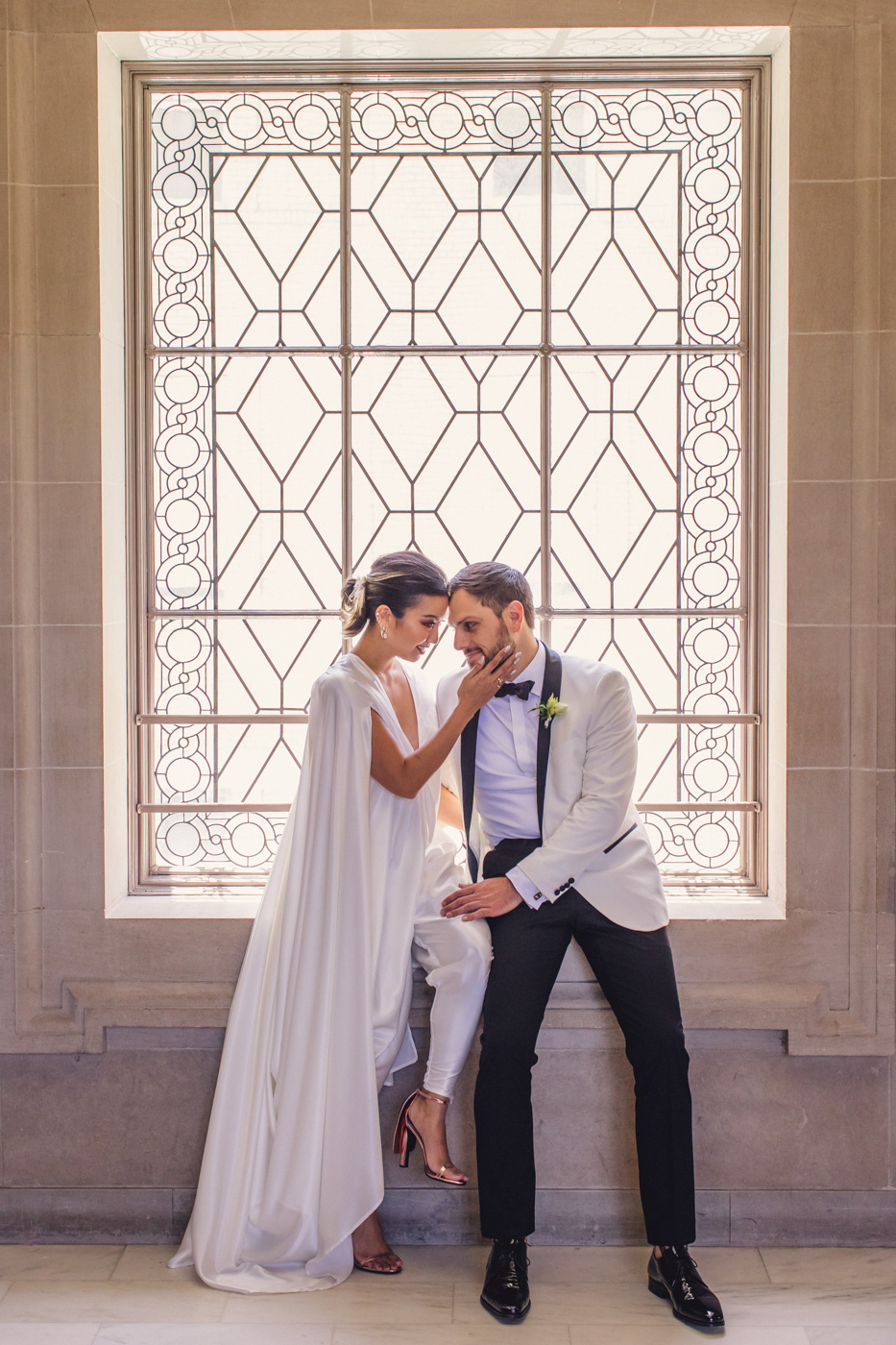 aaron-kes-photography-sf-city-hall-wedding-window-portrait