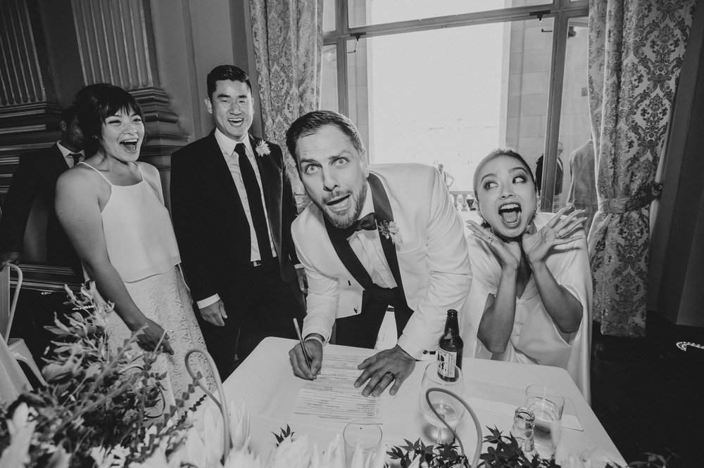 funny-faces-hilarious-wedding-reception-picture