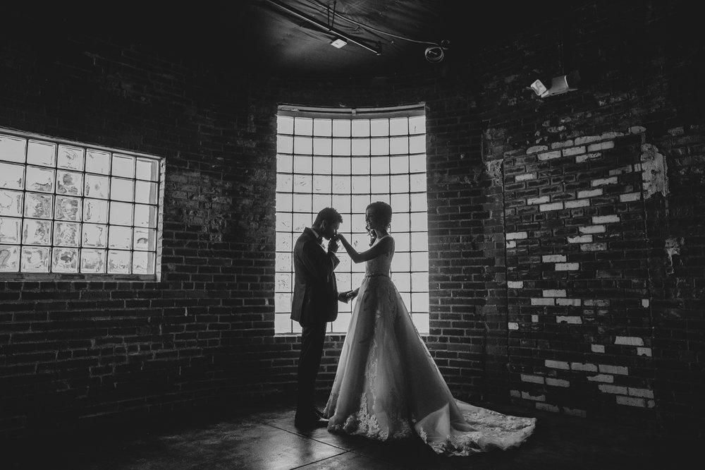 warehouse-215-phoenix-az-wedding-portraits