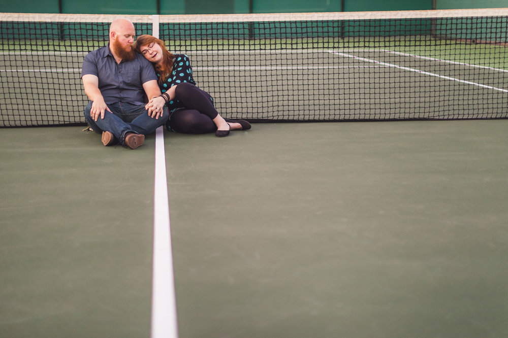 tennis-court-engagement-aaron-kes-photography