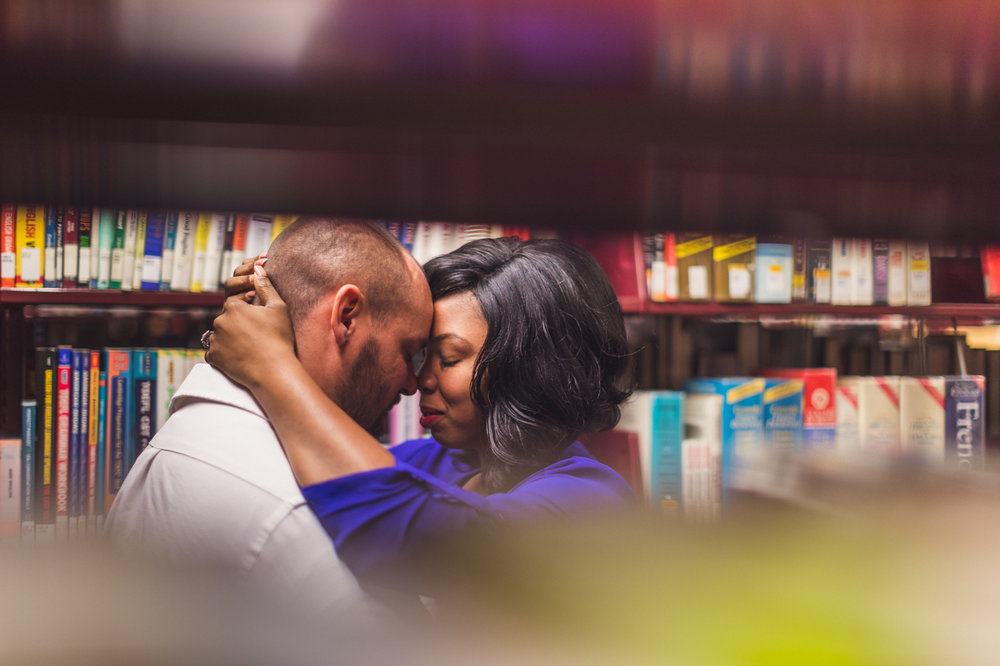 glendale-arizona-library-engagement-session