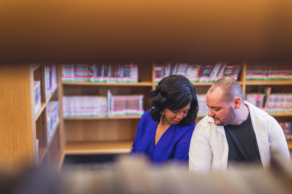 peek-in-on-couple-in-library