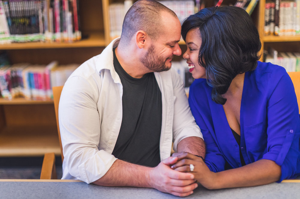 aaron-kes-photography-glendale-public-library-engagement-session-1